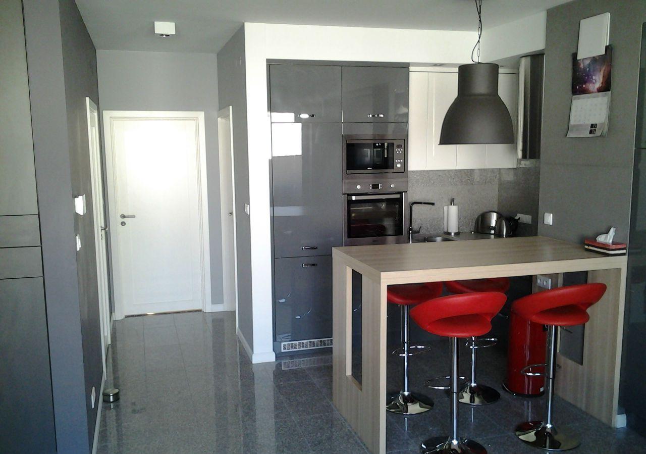 high standard 3 rooms apartment stawki śródmieście warsaw